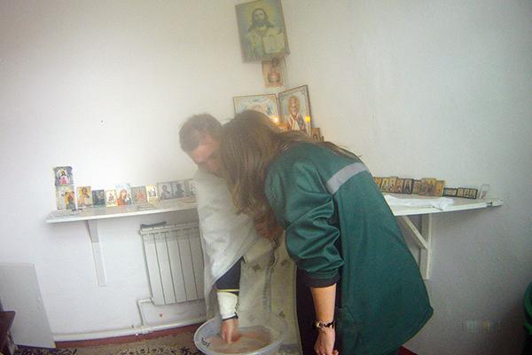В исправительной колонии № 8 состоялось Таинство Крещения осужденной