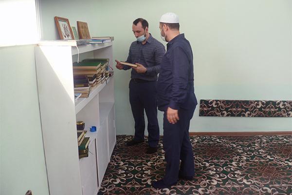 В лечебном исправительном учреждении № 4 провели проверку религиозной литературы на предмет наличия экстремистских изданий