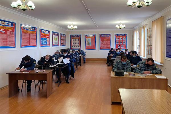 В УФСИН Дагестан прошли учебно-методические сборы с сотрудниками воспитательных и социальных служб учреждений УИС